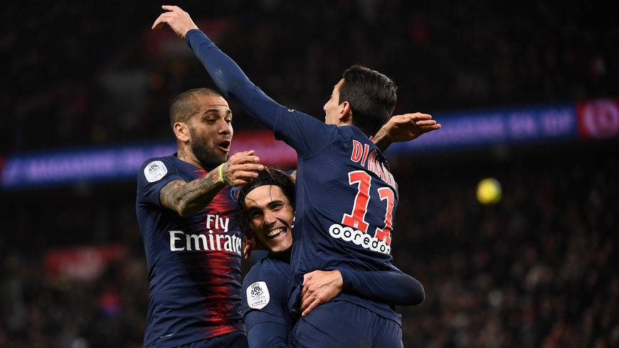 La joie des Parisiens après le but du 2-1 inscrit par Angel Di Maria face à Rennes
