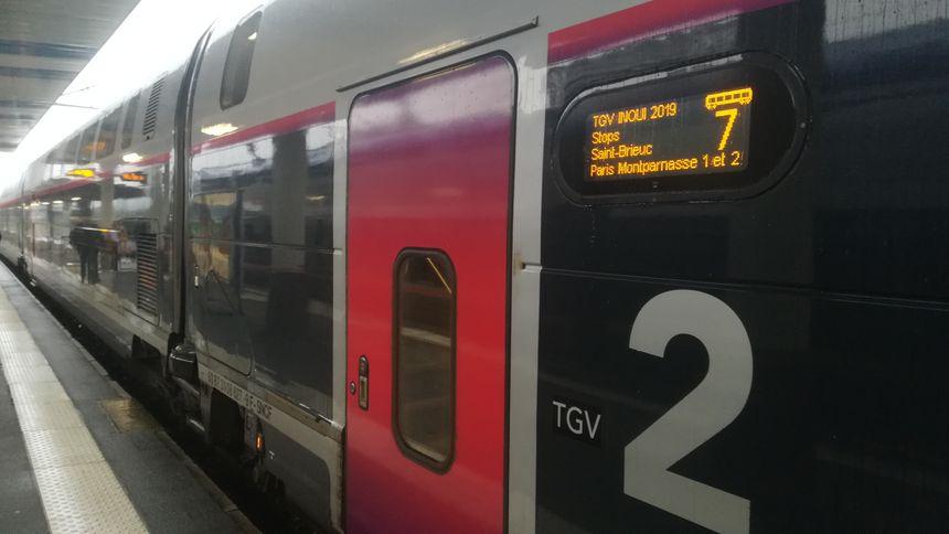 En fonction des gares desservies, un TGV Brest-Paris met entre 3h13 et 3h59
