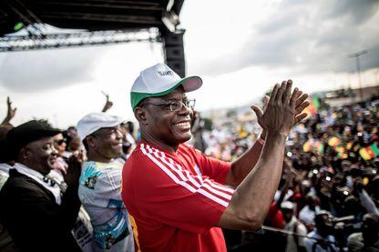 Maurice Kamto au cours de sa campagne électorale pour le scrutin présidentiel du 7 octobre, qu'il estime avoir remporté même si c'est Paul Biya qui a été déclaré vainqueur.