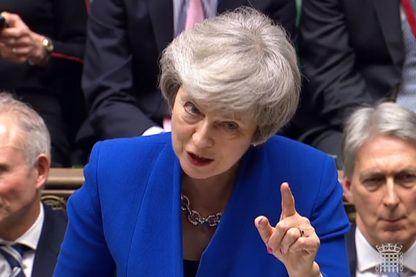 Brexit : Le Premier ministre britannique Theresa May répondre à une motion de censure lors d'un débat à la Chambre des communes à Londres le 16 janvier 2019 (capture vidéo)