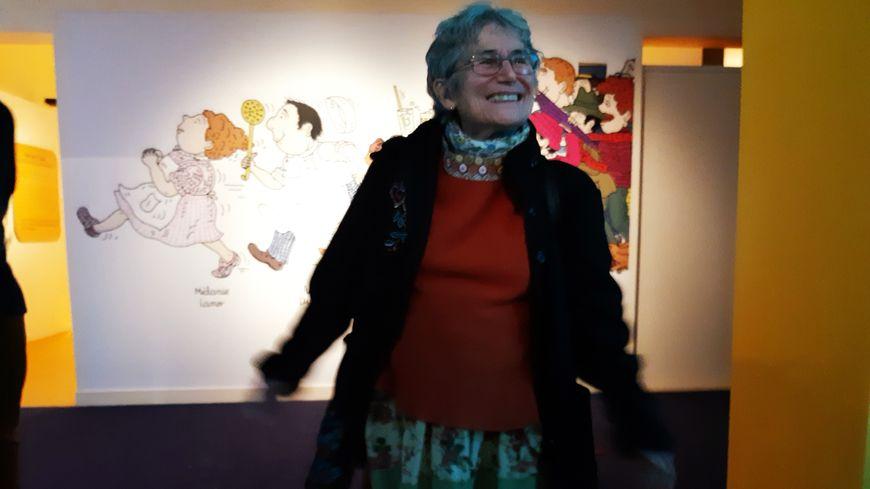 Toujours facétieuse à bientôt 78 ans, Bernadette Després découvre avec gourmandise l'exposition qui lui est consacrée.