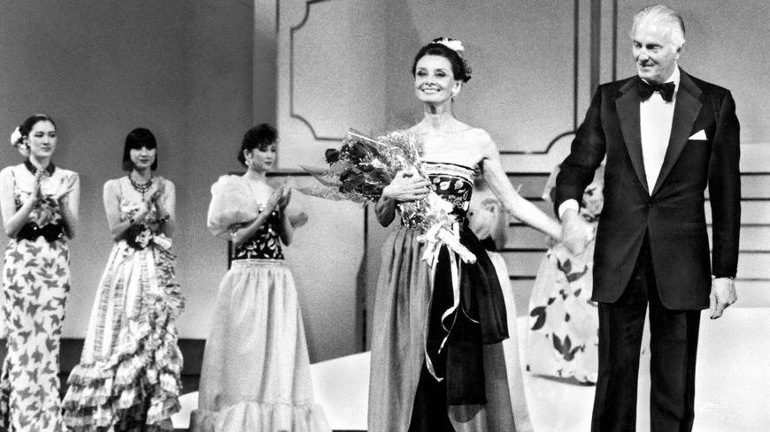De Hubert Givenchy 1953Audrey Hepburnamp; 5q3ARS4cjL