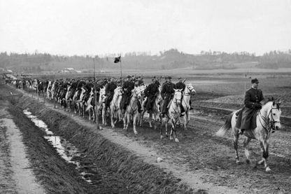 Cavaliers polonais à la frontière lithuanienne en février 1919