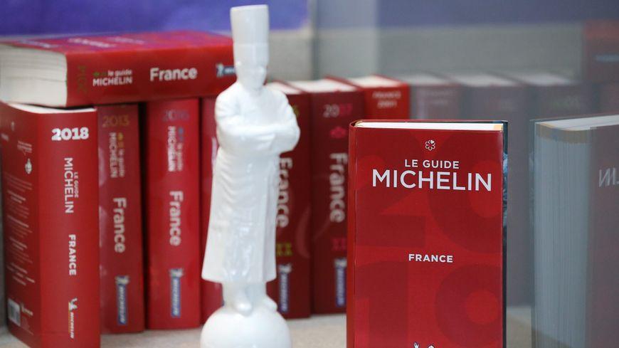 Carte De Bourgogne Michelin.Carte Guide Michelin En Bretagne Cinq Restaurants Decrochent