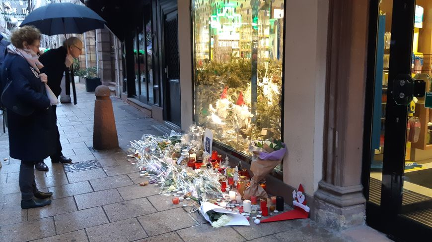 Strasbourg Hommage aux victimes de l'attaque du 11 décembre 2018 rue des Orfèvres,où sont tombées les premières victimes