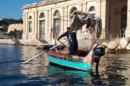 Pour découvrir La Valette rien de mieux que les gondoles maltaises