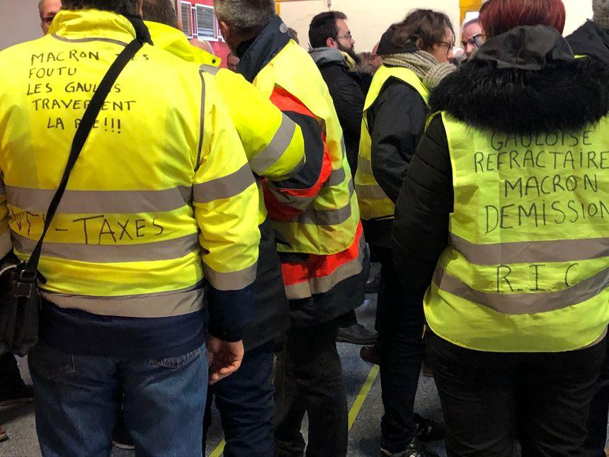 Des gilets jaunes, lors des voeux du député LREM Eric Alauzet, ce samedi a Chalezeule