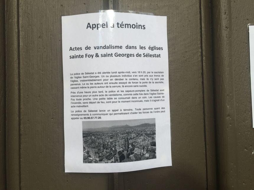 L'appel à témoins a été relayé sur la porte de l'église Saint-Georges