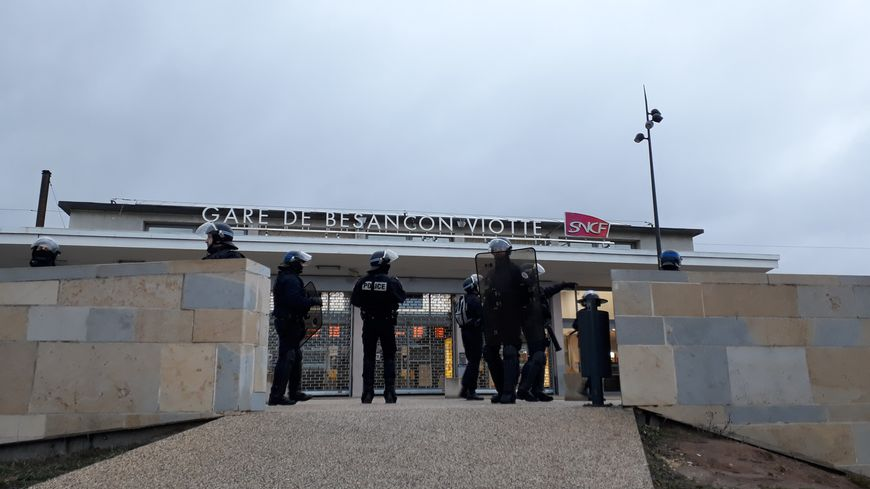 La gare de Besançon-Viotte momentanément fermée en raison de la manifestation des gilets jaunes