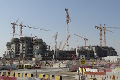 Les travaux autour du Lusail Stadium qui va accueillir le match d'ouverture et la finale de la coupe du monde 2022.