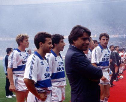 Finale Coupe de France 89 : Patrice Eyraud et Pascal Gastien derrière Bernard Tapie