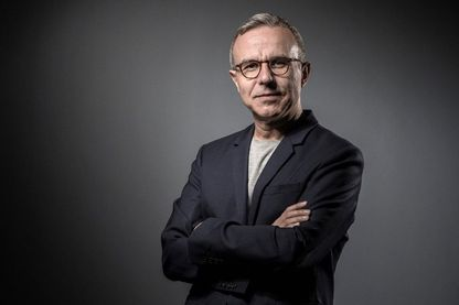 Portrait de l'écrivain, dramaturge et scénariste Philippe Besson le 30 mai 2017.