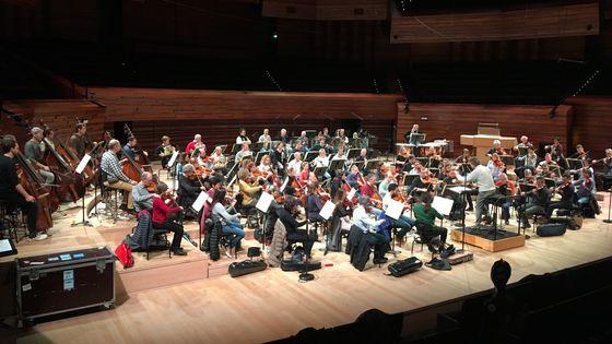 L'Orchestre National de France dirigé par Thomas Søndergård pendant la générale