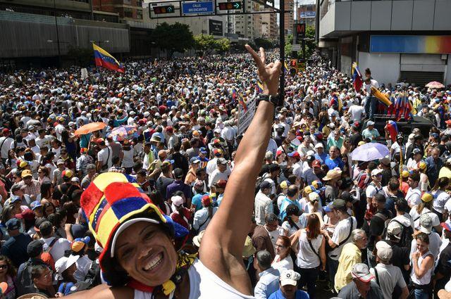Le 23 janvier 2019, jour de l'anniversaire du coup d'Etat contre la dictature en 1958, des milliers de personnes sont descendues dans les rues de Caracas contre Nicolas Maduro