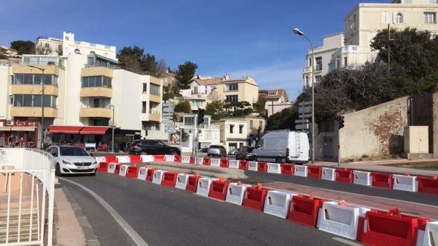 2 nouvelles voies de circulation supprimées sur la corniche. Les riverains disent ne pas avoir été informés