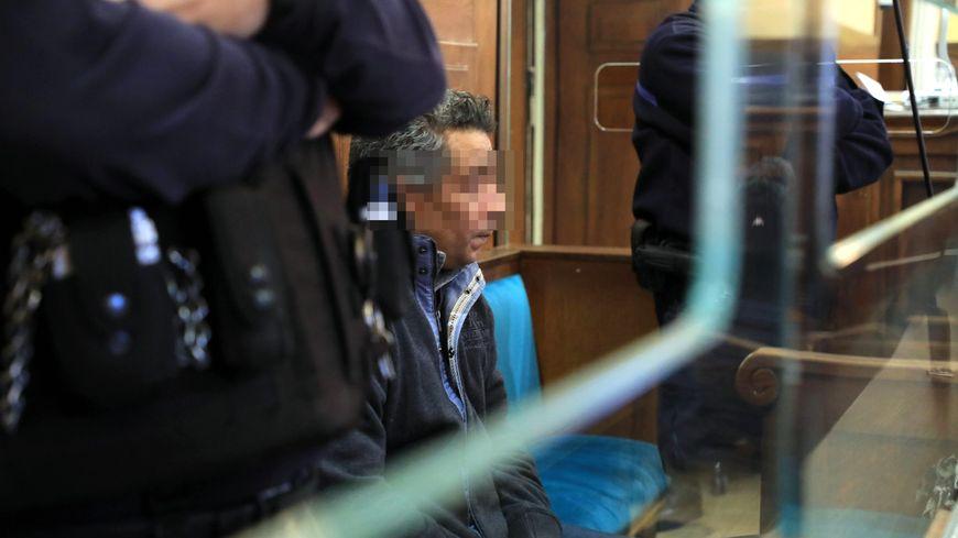 Jean-Ludovic Gbetie dans le box des accusés aux assises de la Moselle