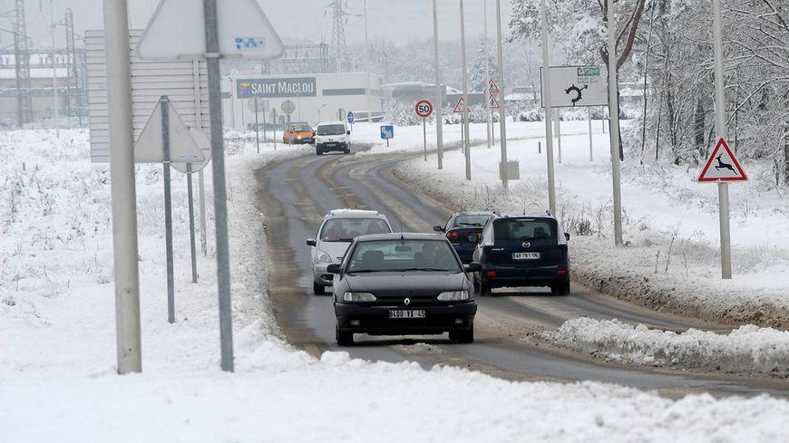 En raison des fortes chutes de neige attendues dans le Loiret, les transports scolaires du réseau REMI sont interrompus dans le département mercredi 30 janvier