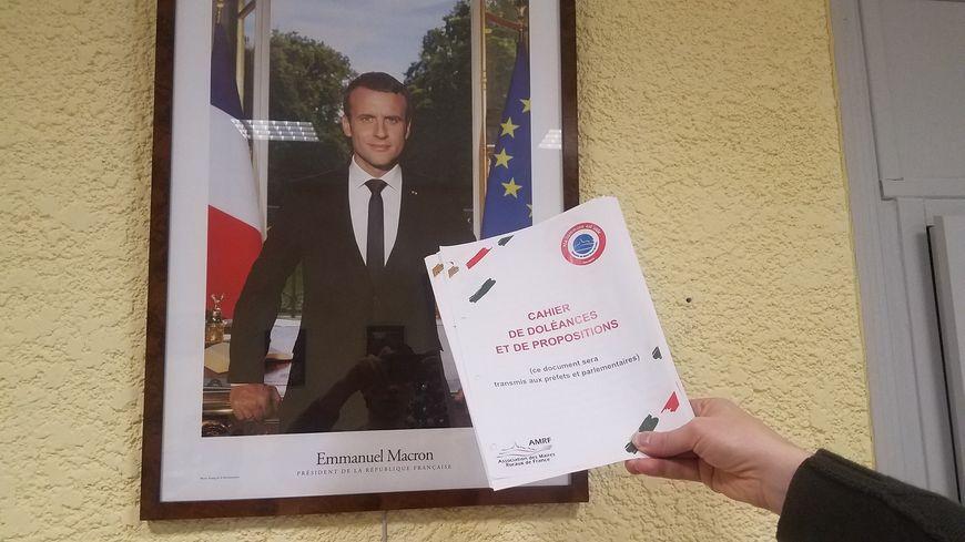 Le cahier de doléances en mairie de Jaillans dans la Drôme