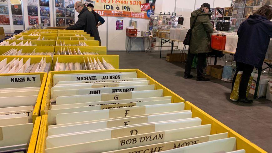Près de 20 000 vinyles sont à la vente à la foire aux disques.