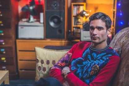 Portrait du musicien et producteur anglais d'électronica, Jon Hopkins, photographié dans son studio à Londres, le 28 mars 2018.