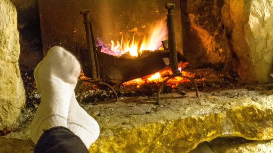 Une cheminée mal ramonée peut dégager une grande quantité de monoxyde de carbone, gaz mortel s'il est concentré dans un espace confiné.