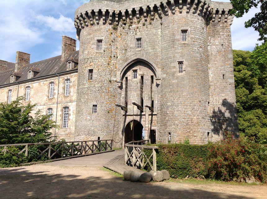 Le château de Montmuran est loué fréquemment pour des mariages ou des réceptions