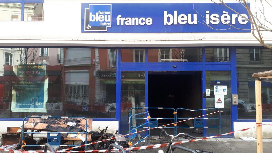 Les locaux incendiés de France Bleu Isère le 28 janvier 2019