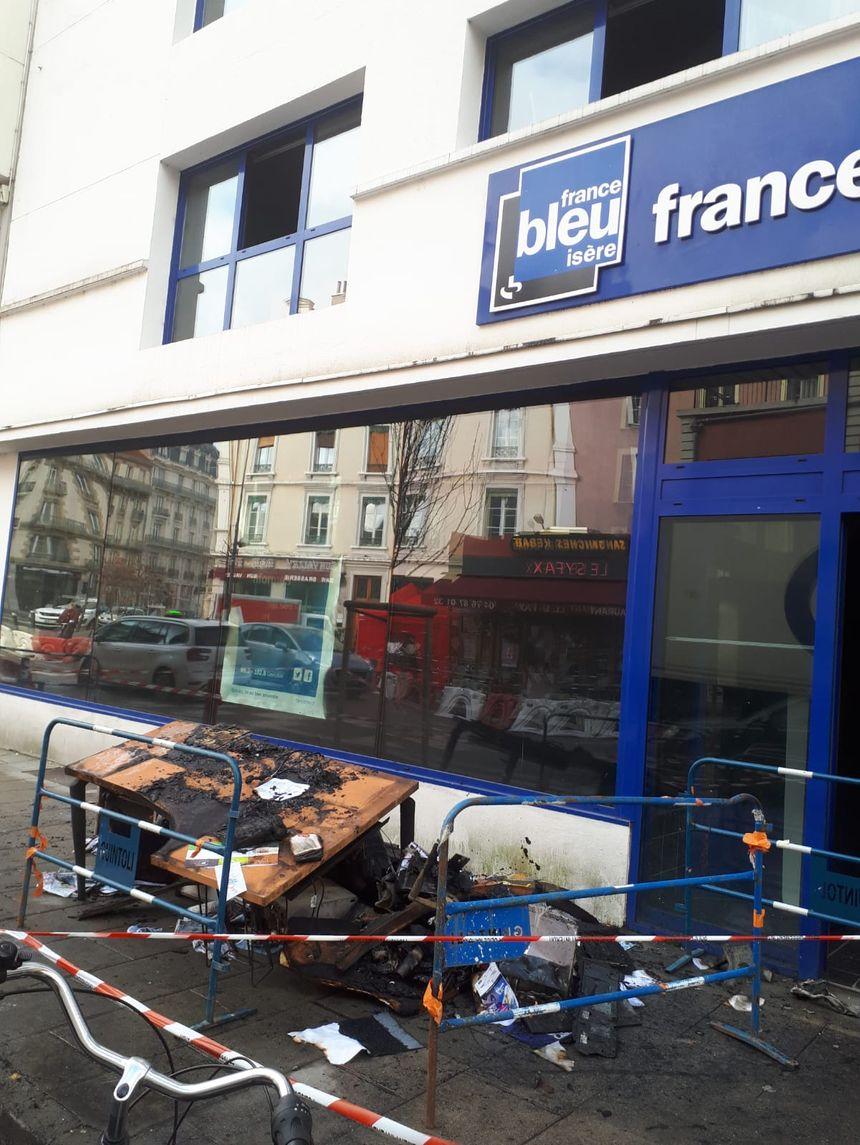 Les locaux incendiés de France Bleu Isère le 28 janvier