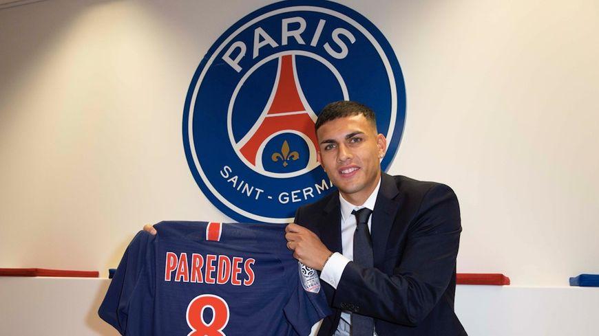 Leandro Daniel Paredes portera le numéro 8.