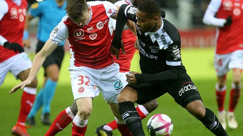 Le defenseur rémois Thomas Foket face à Guingamp lors du match aller au Stade Delaune au mois de novembre dernier.