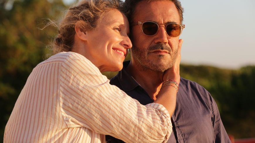 Alexandra Lamy et José Garcia dans Chamboultout