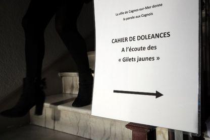 Un cahier de doléances a été mis à disposition des habitants de Cagnes-sur-Mer (Alpes-Maritimes) début décembre 2018 manifestations des gilets jaunes