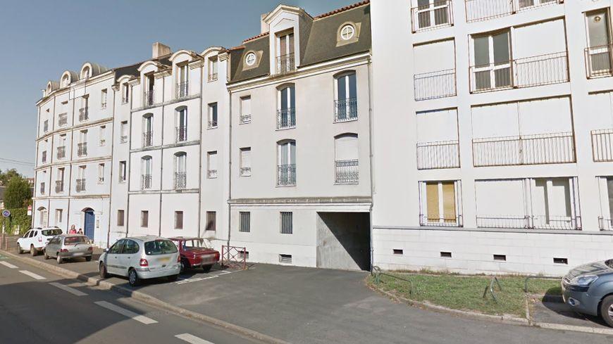 Illustration : l'immeuble du 4 boulevard Anatole France à Poitiers.