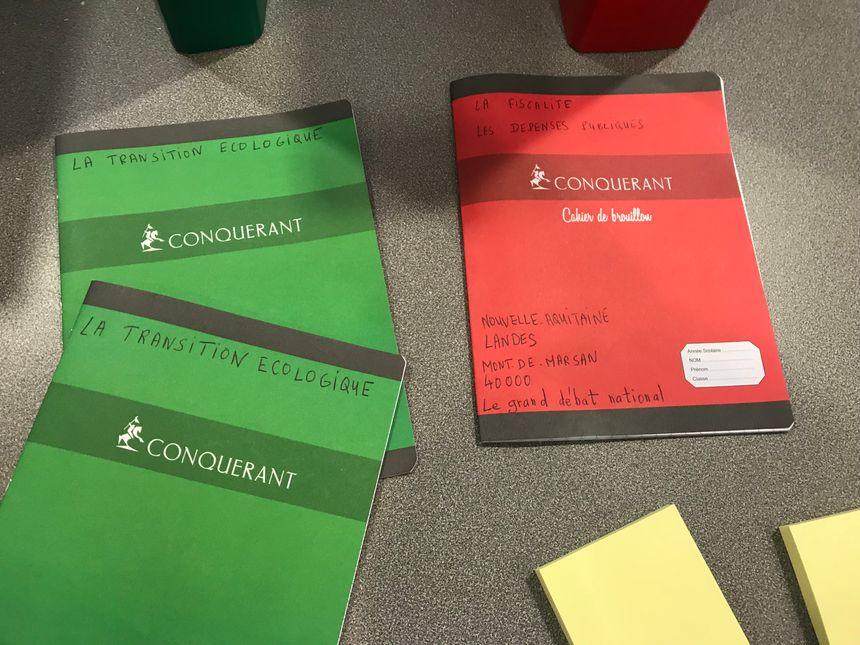 Les cahiers mis à disposition par l'organisateur