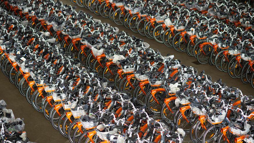 Il y a 1 100 bicloos en circulation dans la métropole nantaise. Tous sont passés en revue et réparés si besoin.