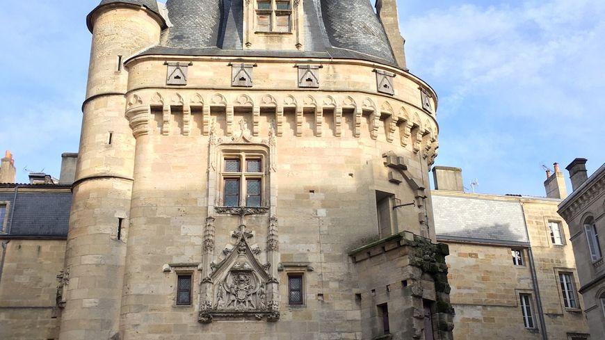 Porte à porte à Bordeaux, la Porte Cailhau