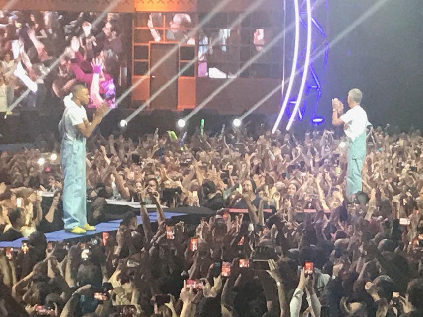 Kylian Mbappé et Didier Deschamps, les deux surprises du dernier concert des enfoirés à Bordeaux.