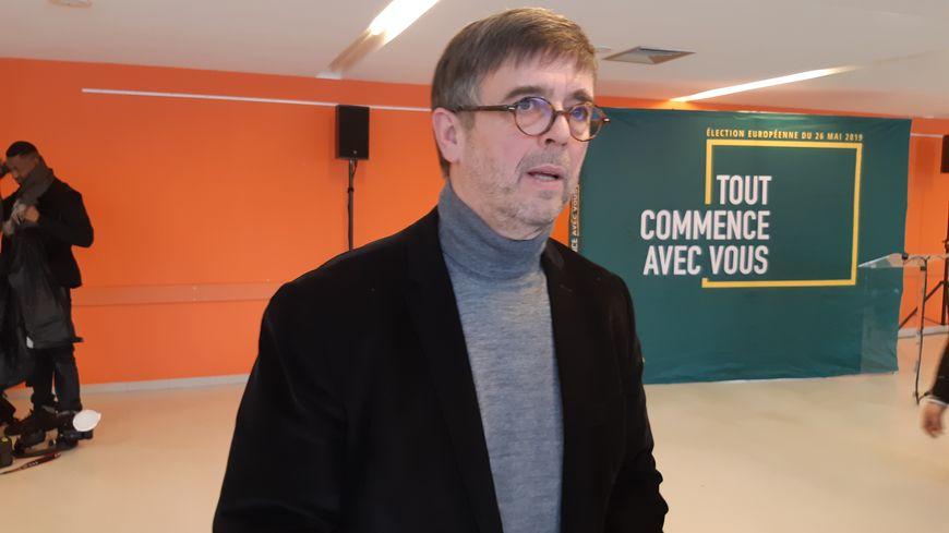 Damien Carême dépose plainte contre l'Etat pour le forcer à agir contre le réchauffement climatique.