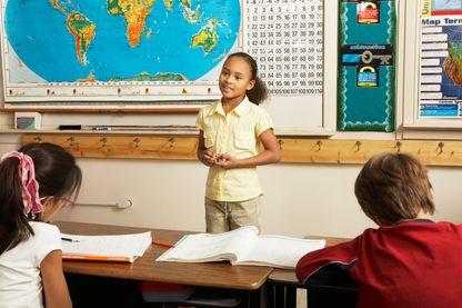 Comment aider à nos enfants à prendre la parole en public ?