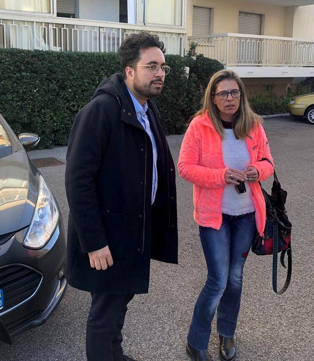 """Comme il s'y était engagé, Mounir Mahjoubi a passé la journée à Fréjus avec Céline Gravade, 48 ans, assistante de vie """"spécialisée Alzheimer et handicap"""" et """"gilet jaune"""""""
