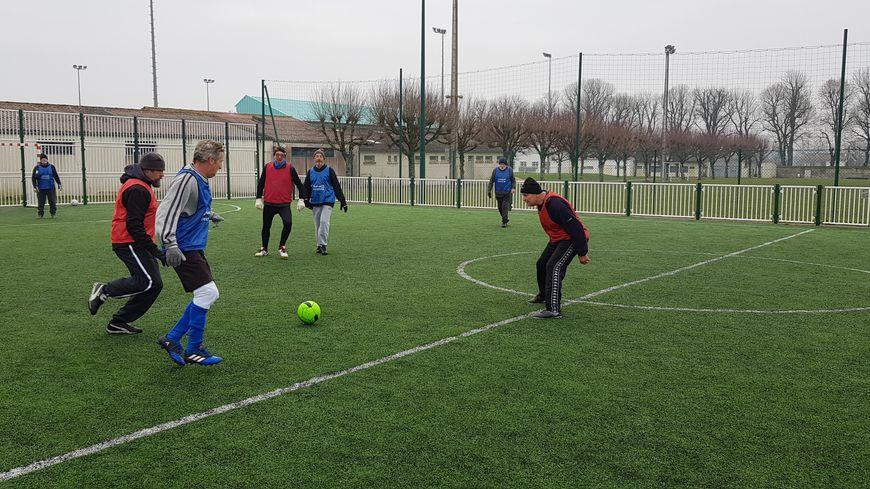 """Des joueurs du """"walking foot"""" à Aulnay-de-Saintonge"""