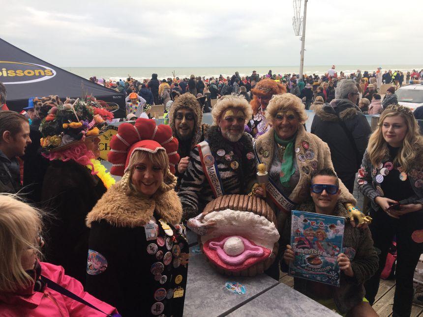 Parmi les spectateurs, même atmosphère carnavalesque sur la digue