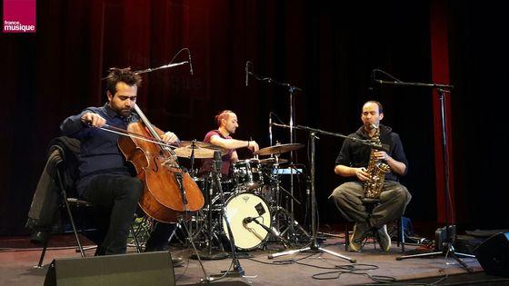 Trio Anil Eraslan, Eric Groleau et Matthieu Metzger dans A l'improviste à l'Alliance Française, décembre 2018