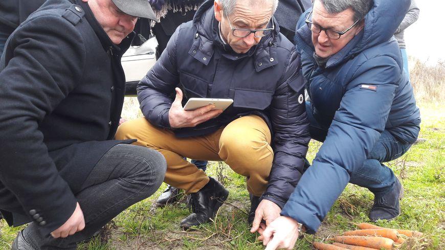 Le président du Fonds national agricole de mutualisation sanitaire et environnemental, Joël Limouzin (au centre), s'est rendu sur place ce mardi