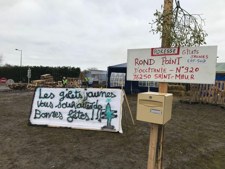 Une boîte aux lettres a été posée sur le rond-point de But à Saint-Maur.