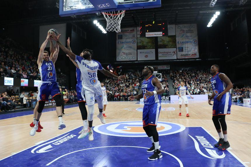Boulazac joue à Levallois