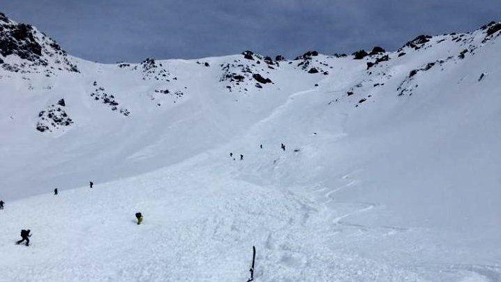 Huit sauveteurs de la CRS-Alpes sont intervenus mardi 29 janvier aux Deux-Alpes pour une avalanche en secteur hors-piste