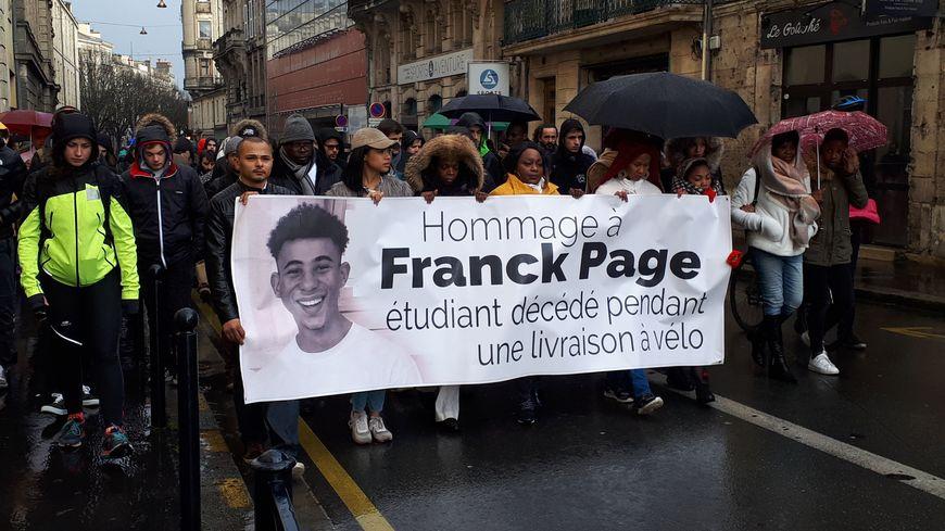 L'hommage au jeune coursier dans les rues de Bordeaux