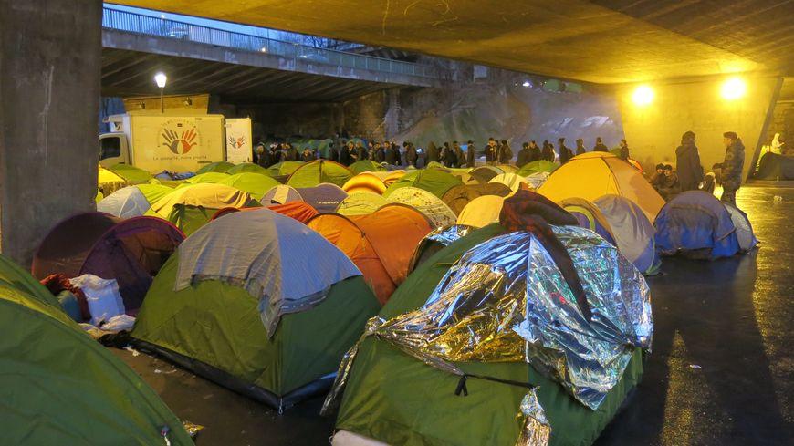 Migrants porte de la Chapelle.