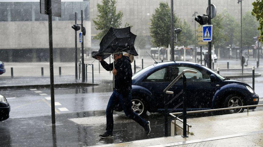 Des vents forts et des pluies mêlées à de la neige sont prévus dans les prochaines heures en Indre-et-Loire. (Illustration)